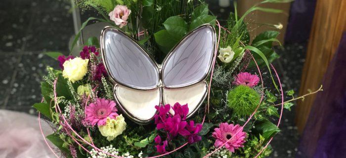 Schmetterlings-Urne